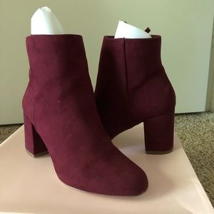 Just fab shoes size 8.5. Only used once.